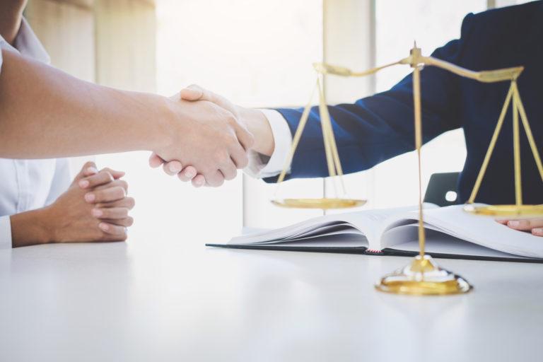 探偵調査以外のサービス=タイの弁護士の無料紹介